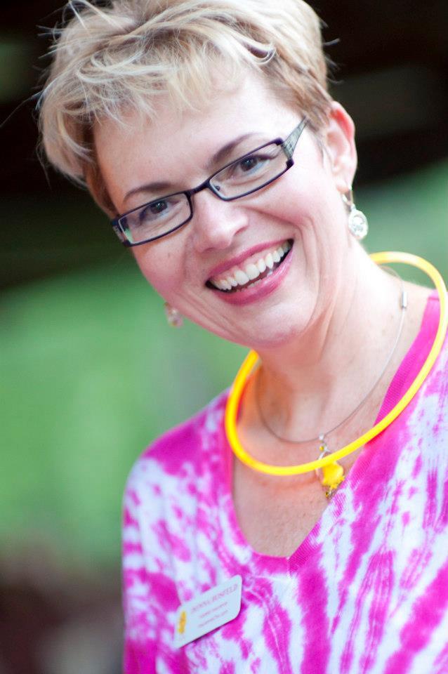 Donna in Tie Dye